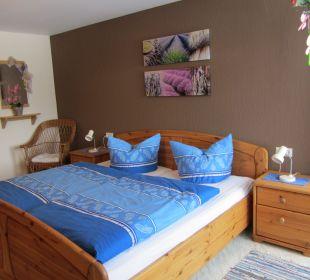 Schlafzimmer mit Doppelbett in der Fewo Fuchs - Ferienbauern Ferienbauernhof Oberjosenhof