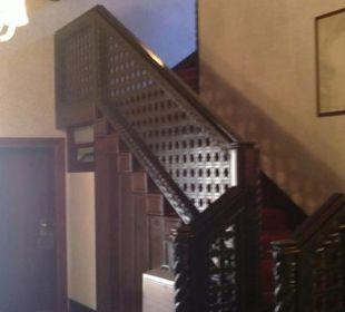 Innenansicht Treppenhaus Hotel Saturnia