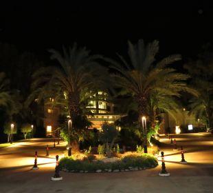 Eingang bei Nacht Hotel Rixos Premium Tekirova