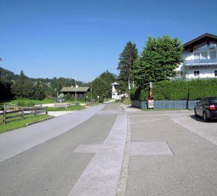Die Strasse vor Gasthof Watzmannblick Gästehaus Watzmannblick