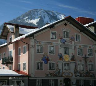 Hotelfassade Winter Romantik Hotel Sonne