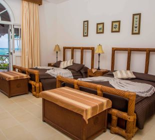 2 double beds Villa Serena