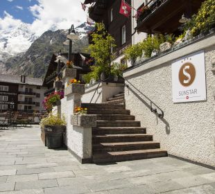 Hoteleingang  Sunstar Boutique Hotel Beau-Site Saas-Fee
