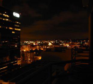 Abendaufnahme vom Balkon aus Best Western Hotel Bayside Inn