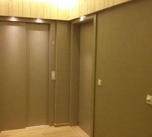 Aufzug, renovierter Hausgang Hotel Walkner