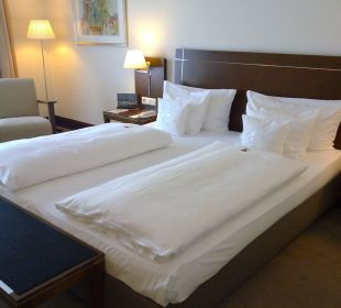 Zimmer - Bett Sheraton Carlton Hotel Nürnberg