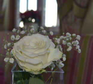 Immer frische Blumen auf den Tischen Hotel Alpenschlössl