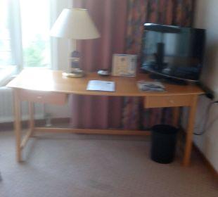 Schreibtisch - TV Hotel Meerane