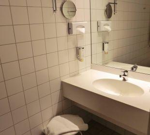 Badezimmer Victor's Residenz Hotel Berlin Tegel