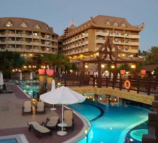 Poolanlage Hotel Royal Dragon