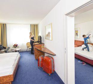 Familiensuite (50 m²), 2 Erwachsene & 2-4 Kinder, 2 Bäder Best Hotel Mindeltal