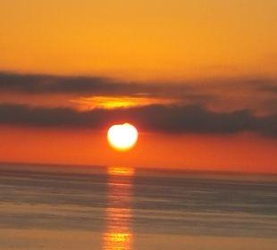 Sonnenaufgang vom Zimmer aus SENTIDO Playa del Moro
