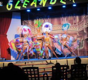 Abendshow auf der Showbühne Hotel Oleander