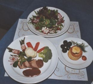 Menüspezial Schweinsfilet mit Gemüse Hotel Bahnhof