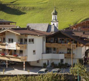 Alpenrose bachseitig bzw. Richtung Süden Alpenrose Hotel-Pension