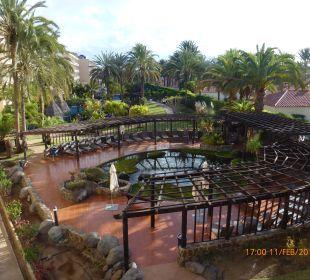 Teil der Außenanlage vom Balkon IFA Catarina Hotel