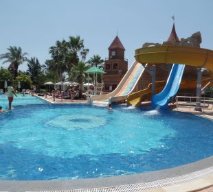Großer Pool mit Rutschen Belek Beach Resort Hotel