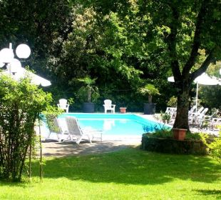 Garden and pool Hotel Monti