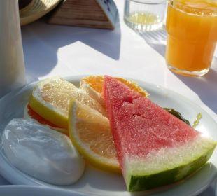 Frisches Obst und gepresster O Saft zum Frühstück Hotel Corissia Princess