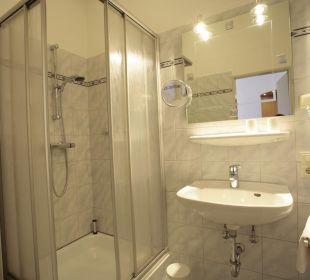 Badezimmer von einem Hotelzimmer Hotel Bockelmann