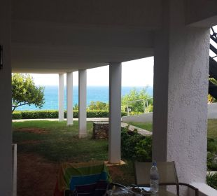 Zimmer 319, Meerblick? Blick auf Nachbarterrasse Hotel King Minos Palace