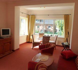 Schönes großes Wohnzimmer in einer Suite XL   Villa Strandkorb Hotel Garni