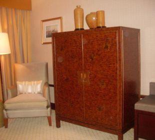 Fernsehschrank - in diesem Schrank befindet sich d Hotel Conrad Hong Kong