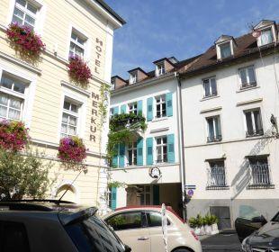 Blick zur Straße Hotel Merkur