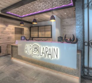 Neuer Empfangsbereich 2016 Hotel Alp Larain