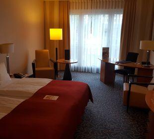 Großes Zimmer Steigenberger Hotel Hamburg