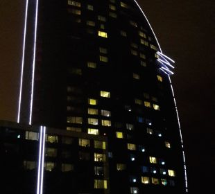 W Hotel bei Nacht W Barcelona Hotel
