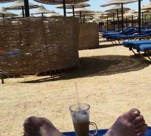 Der schönste Platz ist immer noch auf der Liege   TUI MAGIC LIFE Kalawy