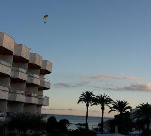 Zimmer zum Pool und Strand Hotel Serrano Palace