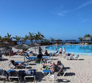Pool mit künstlichem Sandstrand La Palma Princess