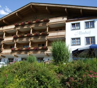 Von der Straße Hotel Almhof