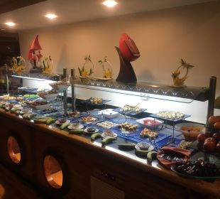 Teile des Abendbuffets Dana Beach Resort