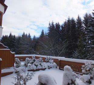 Verschneite Zimmerterrasse Hotel Margeritenhof
