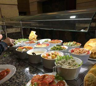 Vorspeisen im orientalischen Restaurant Dana Beach Resort