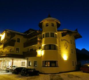 Hotel am Abend Alpenhotel Karwendel