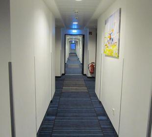 Flur im Hotel 5 Etage Holiday Inn Express Hotel Bremen Airport