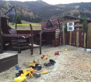 Spielplatz Leading Family Hotel & Resort Alpenrose