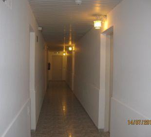 Flur zum Zimmer 282 Vantaris Beach Hotel