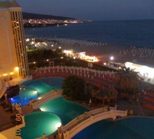 Widoczek z balkoniku-wieczorkiem. Victoria Palace Hotel & Spa