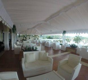 Überdachte Lobby Bar Terrasse Grand Bahia Principe Cayacoa