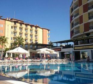 Eine kleine aber sehr feine Poolanlange Hotel Arabella World