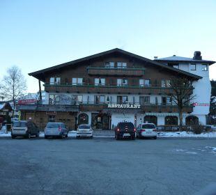 Seitenansicht vom Parkplatz der Gondelbahn Hotel Klausen
