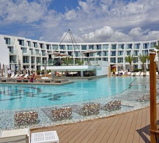 Poolanlage & Apartments Hard Rock Hotel Ibiza