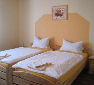 Einblick in ein Gästezimmer Ferienpension Zum Hochscheid
