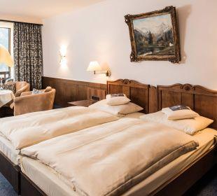 Neu mit antiken Bettelementen: Nymphenburg A Hotel Prinz - Luitpold - Bad