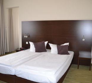 Doppelbett, sehr niedrig und weich Best Western Hotel am Spittelmarkt